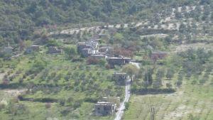 Syyrialaisen vartioaseman rakennuksia Syyrian ja Turkin rajalla.