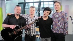 The Rasmus Puoli seitsemän -ohjelman studiolla.