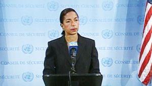 Rice puhujanpöntössä YK:n turvallisuusneuvoston tiloissa.