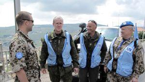 Neljä UNTSO:n sotilastarkkailijaa Etelä-Libanonissa.