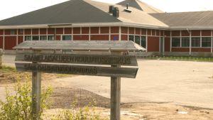 Saamelaisalueen koulutuskeskus Inarin kirkonkylässä.