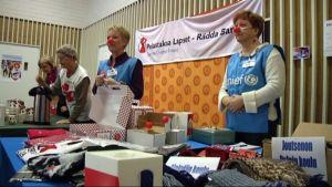 Nenäpäivän tuotteiden myyntiä Etelä-Karjalan Radiossa 2008.