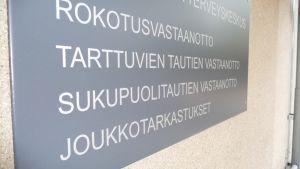 Sukupuolitautien klinikka Kuopiossa.