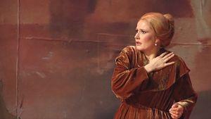Sopraano Camilla Nylund Don Carlos -oopperan harjoituksissa Tampere-talossa.