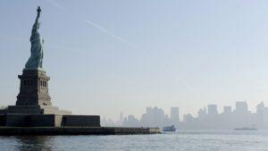 Vapauden patsas New Yorkin edustalla.