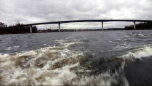 Lauritsalan Luukkansalmen silta