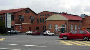 Vanha Paukku - punatiilinen vanha tehdasrakennus Lapualla.