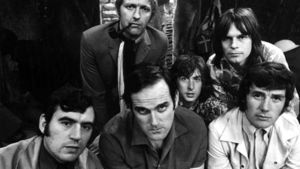 Terry Jones, Graham Chapman, John Cleese, Eric Idle, Terry Gilliam ja Michael Palin.
