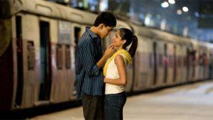 Brittiläisen Danny Boylen ohjaama Slummien miljonääri yhdistää Bollywoodin ja Hollywoodin.