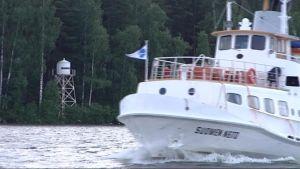 Matkustajalaiva lipuu Päijänteellä