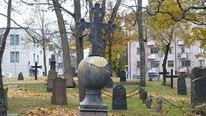 Hämeenlinnan vanhaa hautausmaata