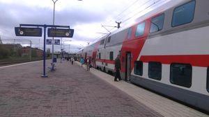 Juna Hämeenlinnan asemalla