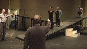 Don Giovannin harjoitukset Promenadi-salissa.