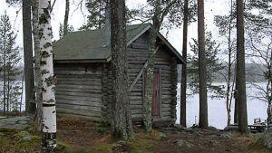 Raatejärven vanha kämppä Reisjärvellä.