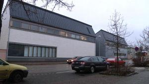 Oulun yliopiston arkkitehtuurin osaston päärakennus.