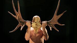 Peer Gyntiä näyttelee Kari Suhonen.