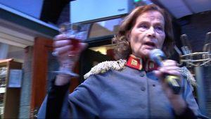 Anna-Liisa Alanko ilahdutti juhlayleisöä vauhdikkaalla esityksellään.