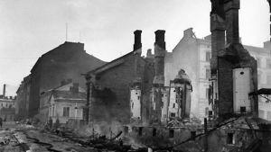Turun pommituksissa tuhoutui 319 rakennusta.