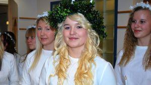 Lucia-neito Menni Polón Kuopiosta