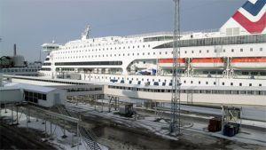 Tallinkin laiva satamassa