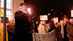 Mielenosoittajia Potsdamissa.