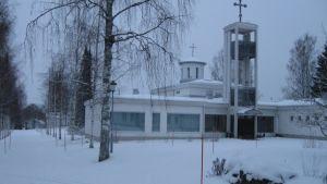 Lintulan luostarin kirkko talviasussaan.