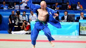 Judoka Jani Kallunki päätti Ateenan paralympialaiset villiin pronssituuletukseen.