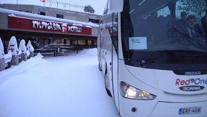 Ensimmäiset venäläisturistit saapuivat uuden vuoden juhliin Laajavuoreen maanantaina.