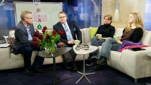 Jälkiviisaissa pohdittiin urheilujohtajien moraalin kyseenalaistamista, Perussuomalaisten sähköpostiasioita ja oppivelvollisuusiän nostoa. Mukana oikealta lukien Anu Silfverberg, Jeanette Björkqvist ja Jan Erola.