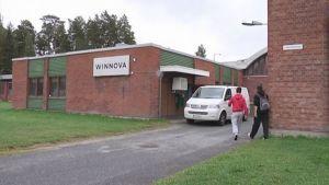 Ammattikoulu WinNovan rakennus Porin Ulasoorissa.