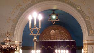 Synagogan pääsali.