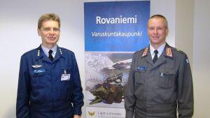 Eversti Harri Leppälaakso ja eversti Ari Grönroos