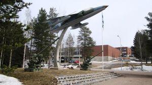 Rovaniemen varuskunta-alueen muistomerkki