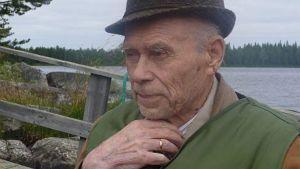 Kirjailija Veikko Huovinen