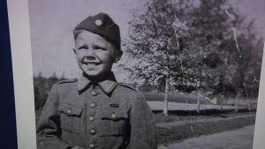 sotilaspoika valokuva sota-aika