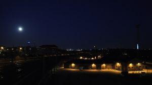 Kuu loisti myös silmin nähden kirkkaampana kuin normaaliyönä.