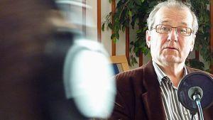 Tohtori, kirjailija Panu Rajala