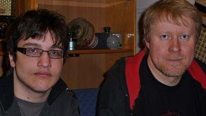 Kainuun Ammattiopiston opiskelija Niko Saarela ja opettaja Marko Karvonen keväällä 2012.