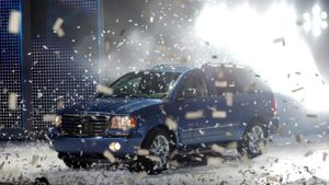 Yhdysvalloissa esitellään uutta automallia automessuilla.
