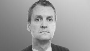 Lavastus- ja pukusuunnittelija Pekka Ojamaa