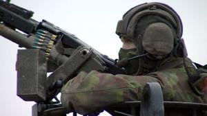 sotilas ja konetuliase