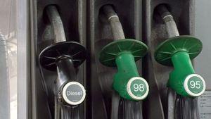 Bensa-aseman tankkauspistooleja