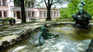 Lahden historiallisen museon suihkulähde.