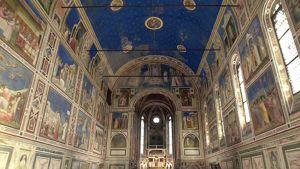 Giotton raamatun aiheita Scrovegnin kappelissa Italiassa.