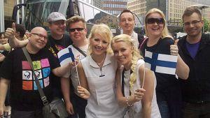Kuunkuiskaajat fanien keskellä Oslossa.