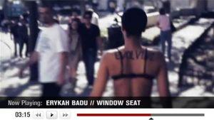 Ruutukaappaus Window Seat -videosta