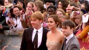 Rupert Grint, Emma Watson ja Daniel Radcliffe Harry Potter -ensi-illassa Lontoossa 7. heinäkuuta.