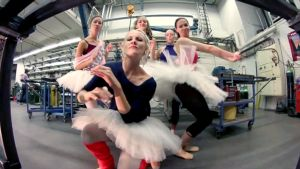 Ballerinat oopperan räp-videossa