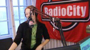 Radio Cityn studio Helsingin Kaapelitehtaalla.