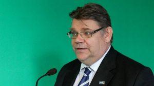 Timo Soini antoi puheen oppitunnin Hämeenlinnassa